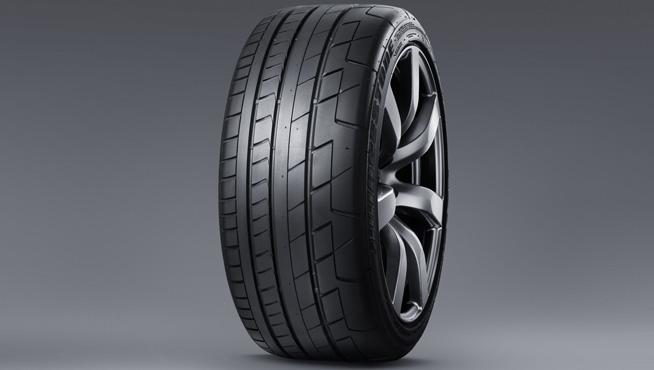 r35gtr_tire-re070